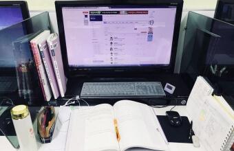 여학생 캠퍼스 인터넷 강의실